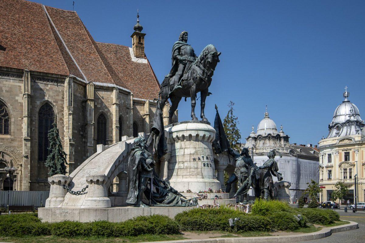Estatua de Cluj NApoca en Rumaia Matei Corvin